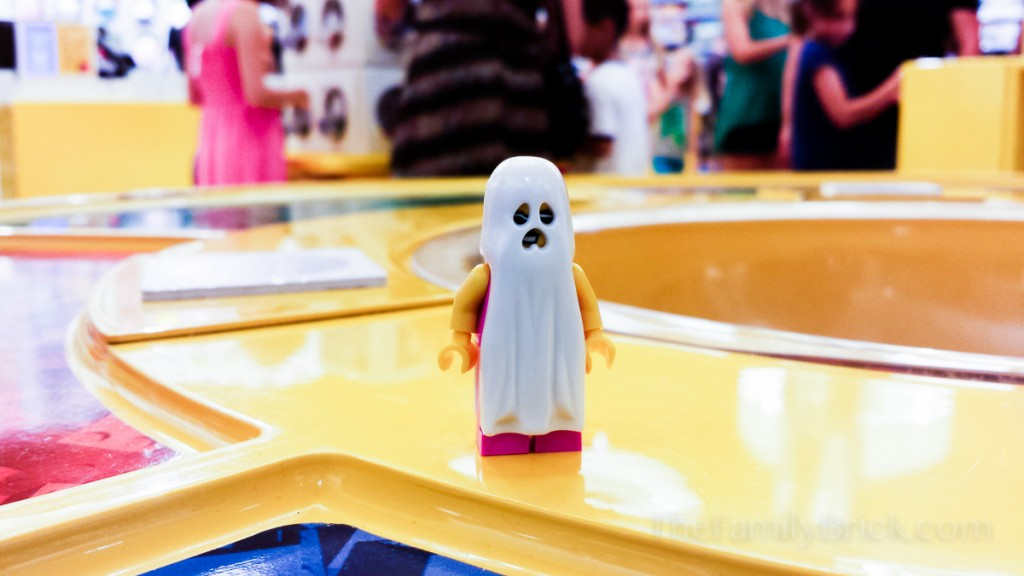 LEGO Ghosts Costumes Arrive in Stores!