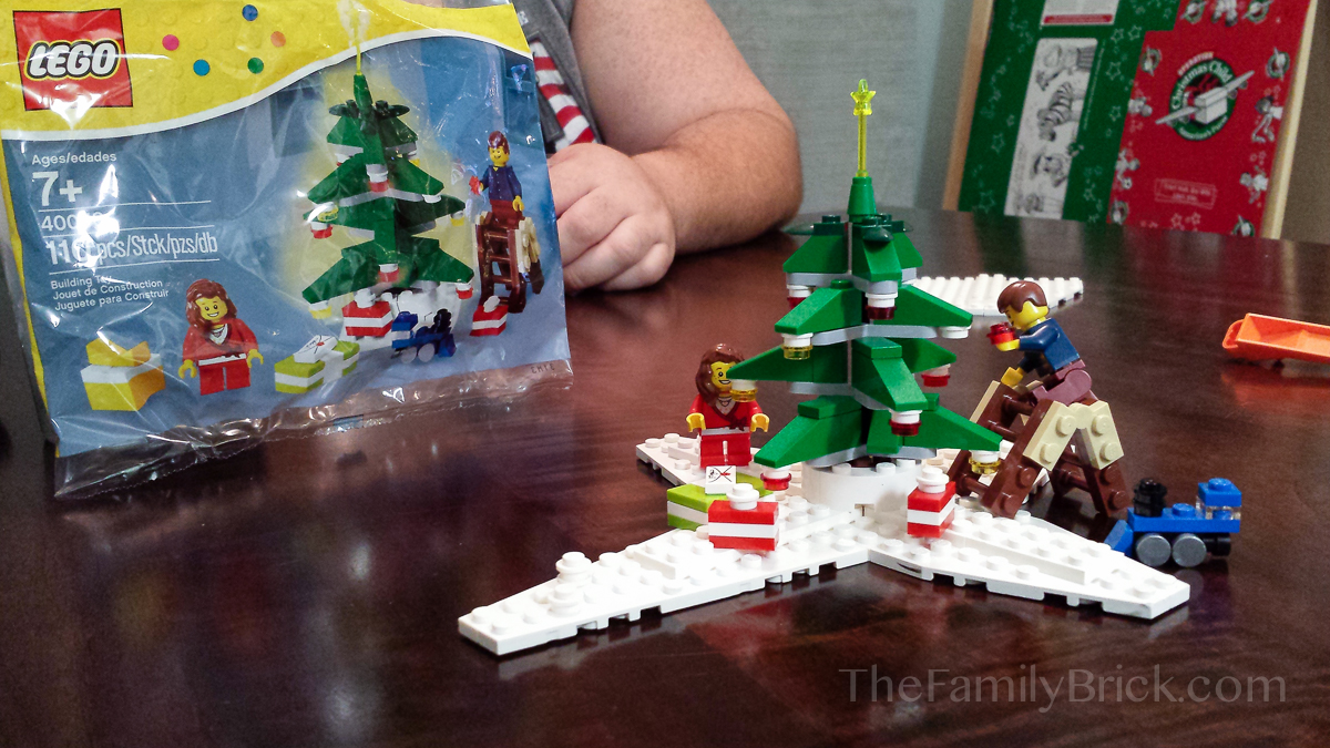 LEGO 40058 Decorating The Tree Polybag Set
