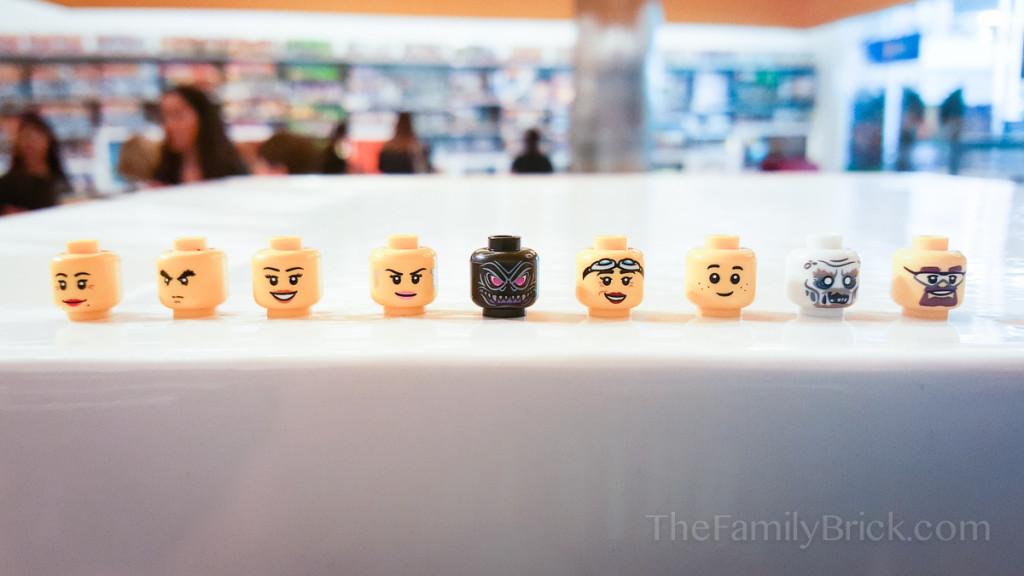 LEGO Build-a-Minifigure Bar-165859