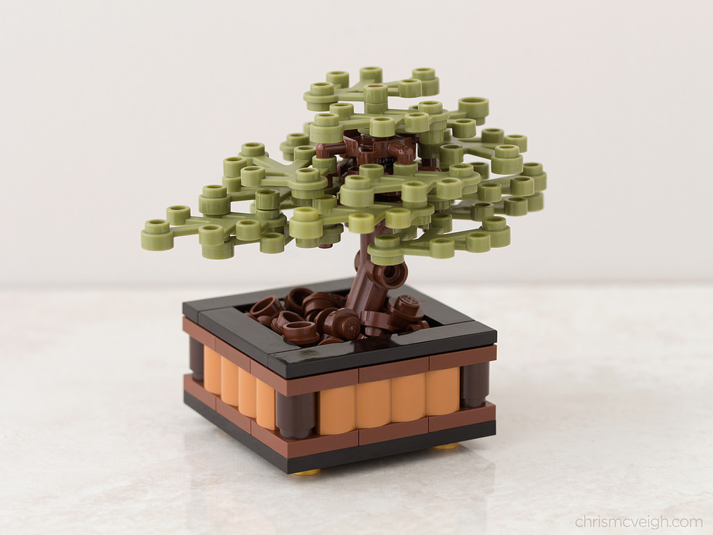 LEGO Bonsai by Chris McVeigh on flickr