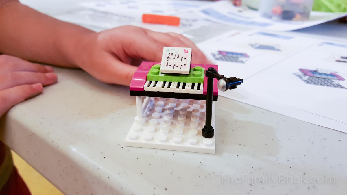 LEGO Friends Piano
