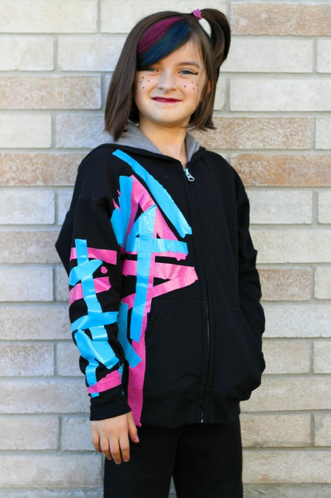 Easy WildStyle LEGO Costume from Kids Stuff World