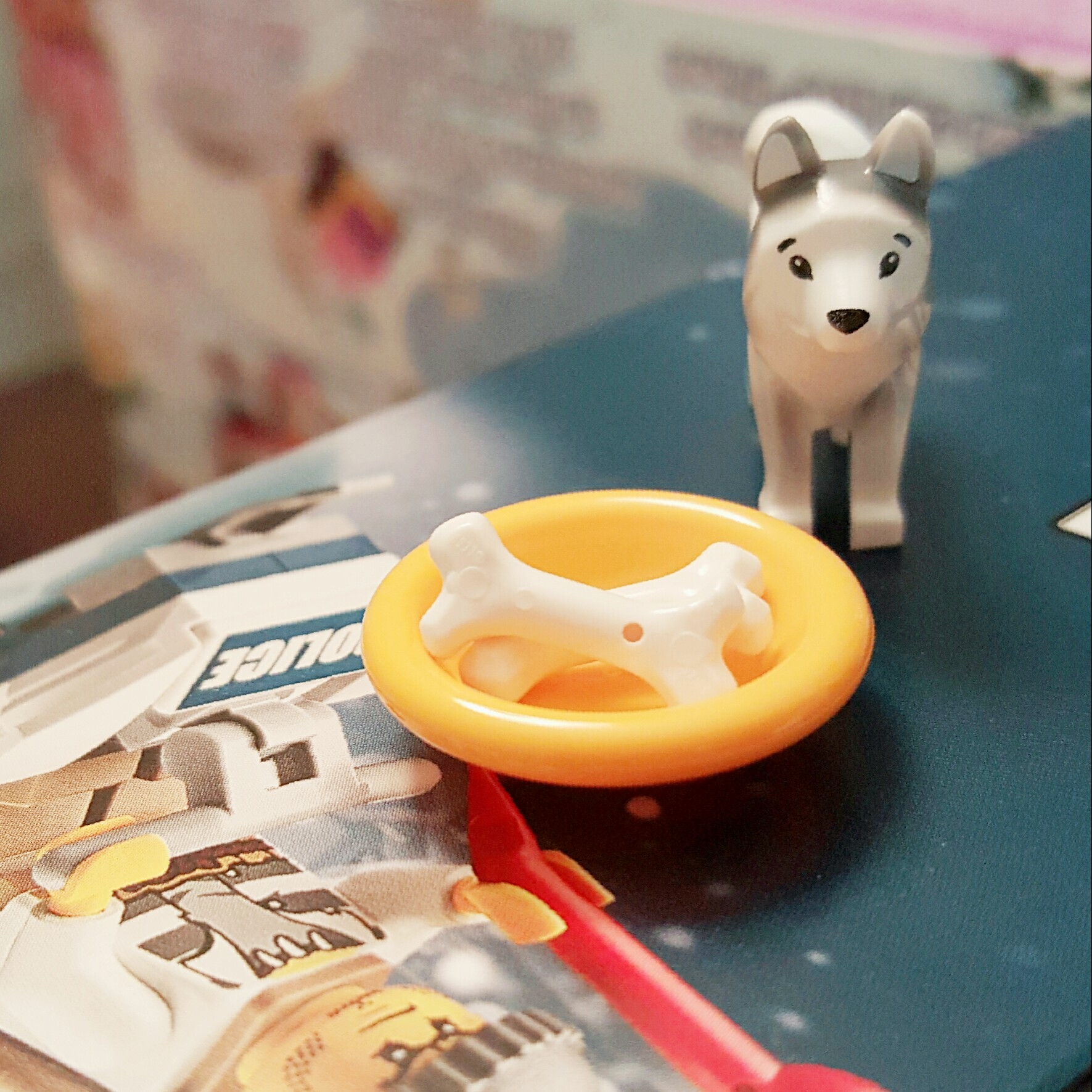 """""""Woof! Woof!"""" - Day 18 Husky with Bone and Bowl from LEGO City Advent Calendar"""