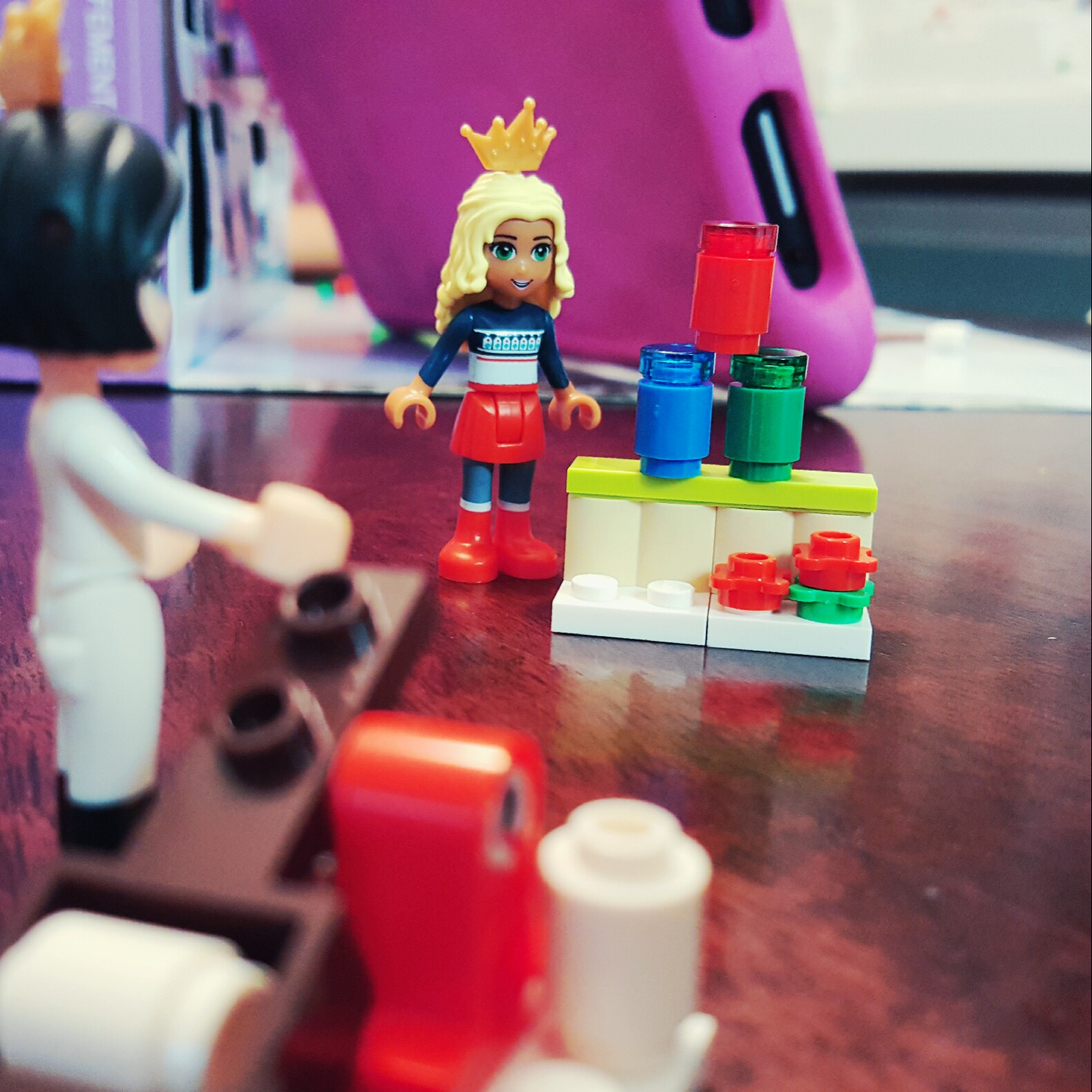 """""""You get 2 tries!"""" - Day 22 Carnival Can Game Stand from LEGO Friends Advent Calendar"""