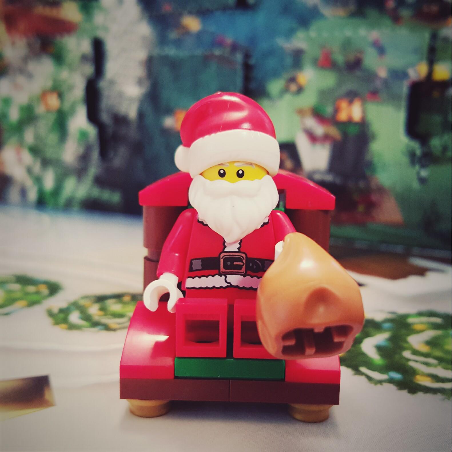 Day 24 Santa Clause Minifigure from LEGO City Advent Calendar