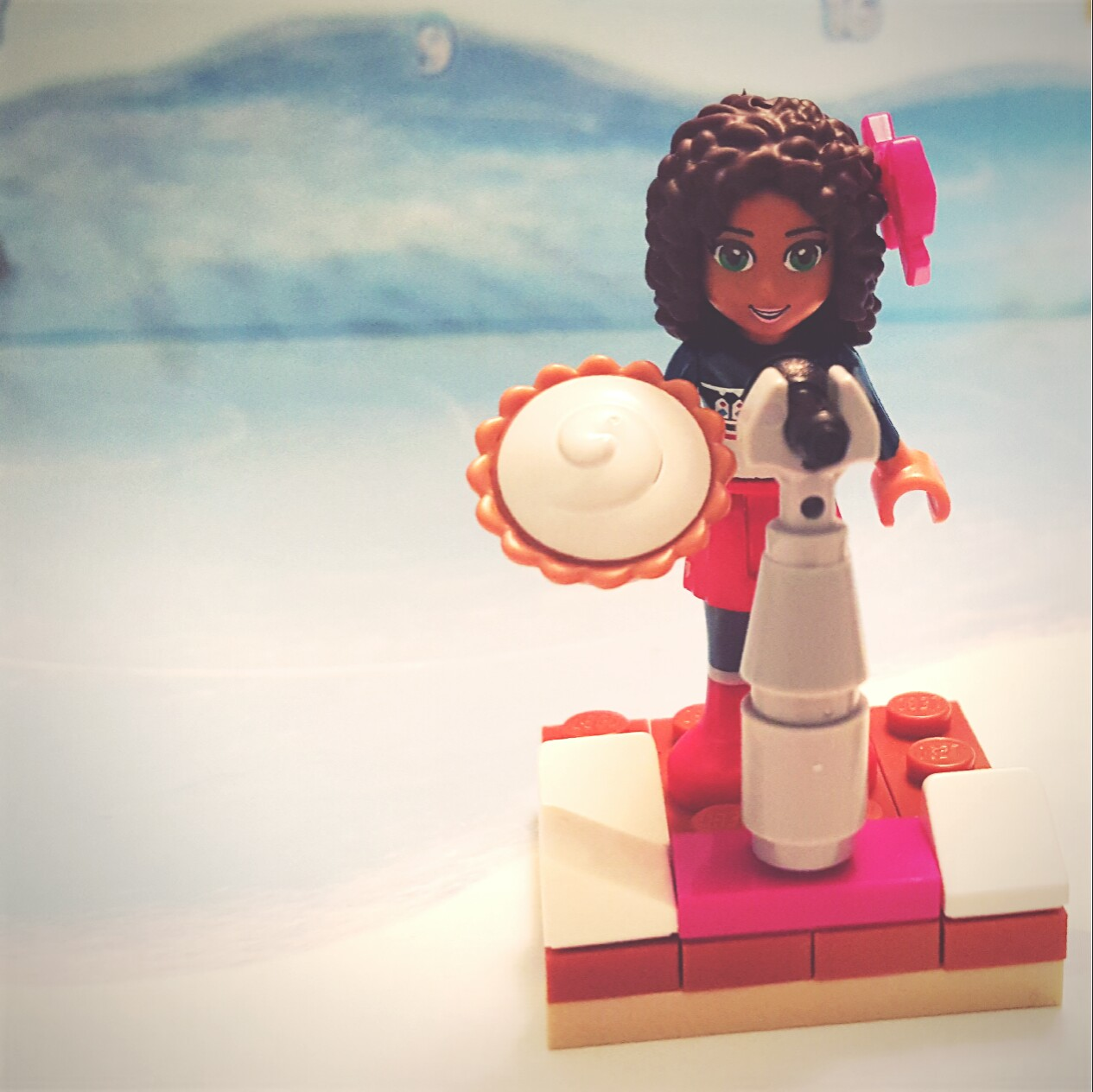 """""""We're raffling off this pie!"""" - Day 7 Microphone & Stand from LEGO Friends Advent Calendar"""
