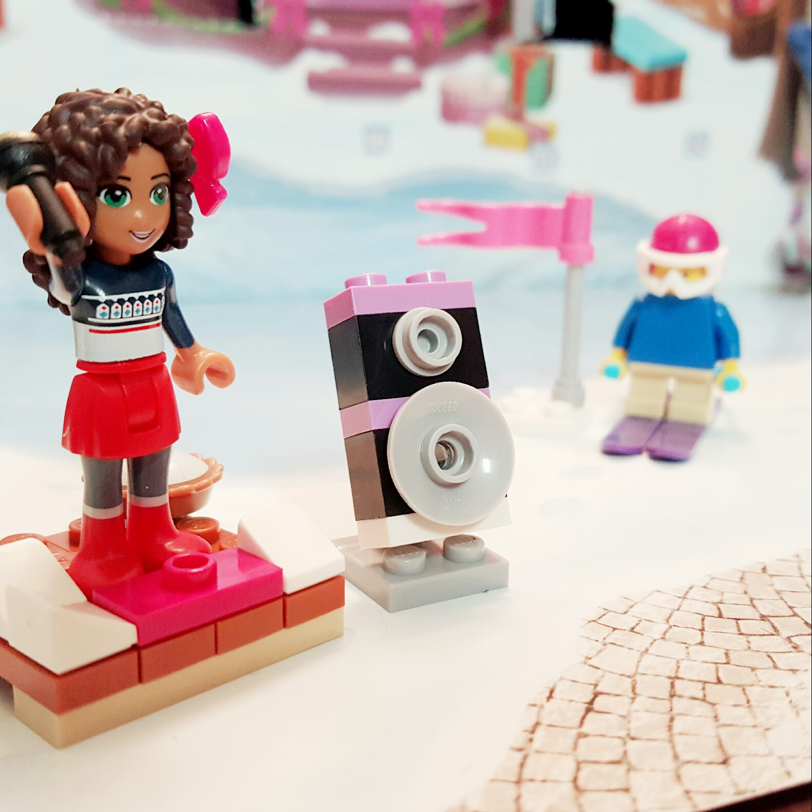 """""""Can you hear me?"""" - Day 8 Speaker from LEGO Friends Advent Calendar"""