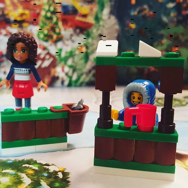 """It's time for some hot cocoa!"" #day4 #legocity #legoadventcalendar #lego #icerink #andrea #bucket #mug #kiosk #legofriends"